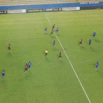 Em Barueri, Oeste e Paraná fazem duelo na série B para sair do meio da tabela