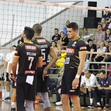 Pela 5ª rodada do Paulista de Vôlei masculino, o SESI vence o Corinthians Guarulhos por 3 sets a 1.