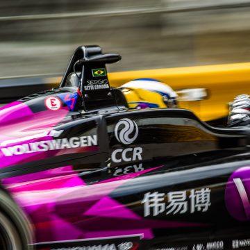 Sette Câmara liderou até a última curva, mas a vitória na tradicional corrida de Macau F-3 escapou
