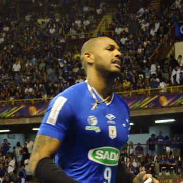 Vôlei: Ex-SADA Cruzeiro, Leal se apresenta ao novo clube na Itália