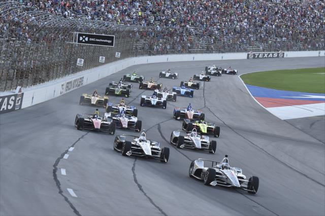 No oval do Texas, Dixon vence e assume a liderança do campeonato