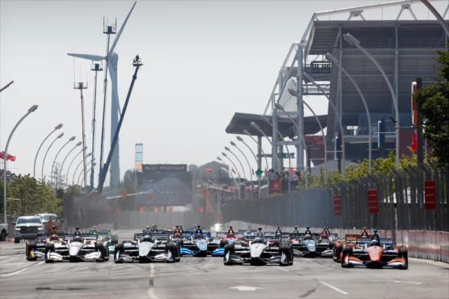 Fórmula Indy: Em corrida movimentada, Dixon vence e abre vantagem na liderança do campeonato