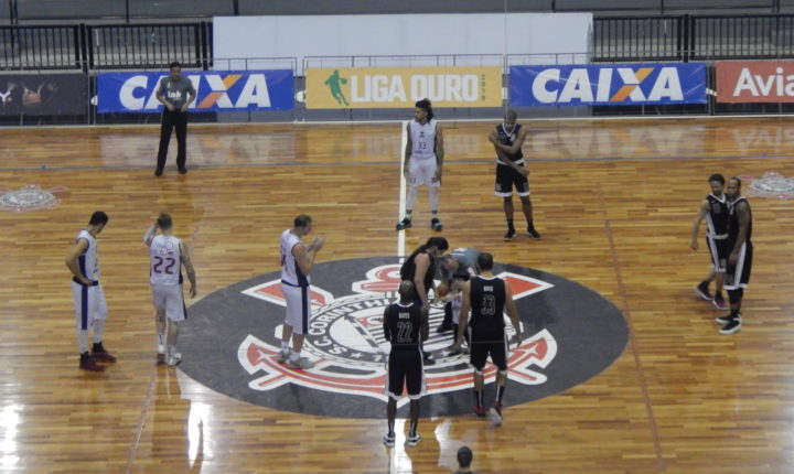 Invicto no Paulista de Basquete, SESI Franca vence Corinthians no Parque São Jorge