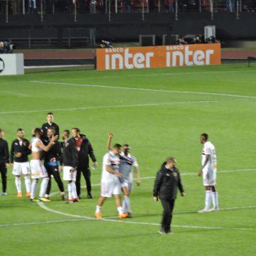 São Paulo vence o Vasco da Gama e assume a ponta do Brasileirão