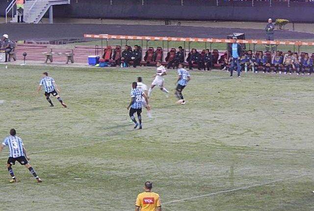 São Paulo empata com o Grêmio, na reestreia de Jardine