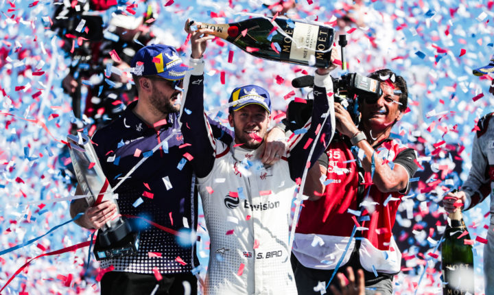 Fórmula E: Em dia de calor recorde, Sam Bird vence o ePrix de Santiago