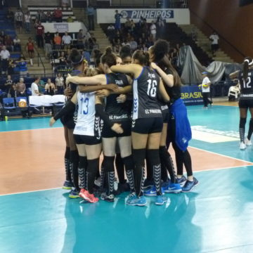 Superliga Vôlei Feminino: Em jogo equilibrado, Pinheiros vence Brasília