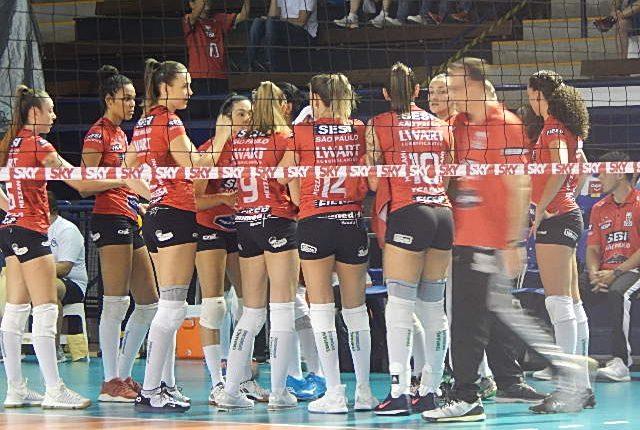 Superliga Feminina de Vôlei 2018/2019 Returno: Ouça os momentos finais e entrevistas de E.C Pinheiros 2 x 3 SESI Vôlei Bauru