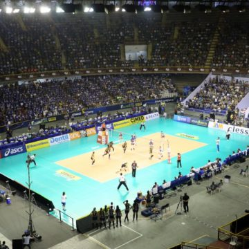Em um jogo eletrizante, Minas vence e sai na frente na decisão da Superliga feminina