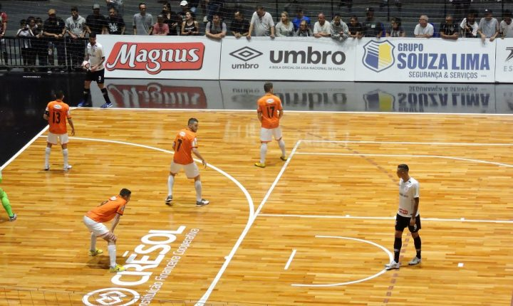 Corinthians x Intelli decidem vaga na Liga Nacional de Futsal