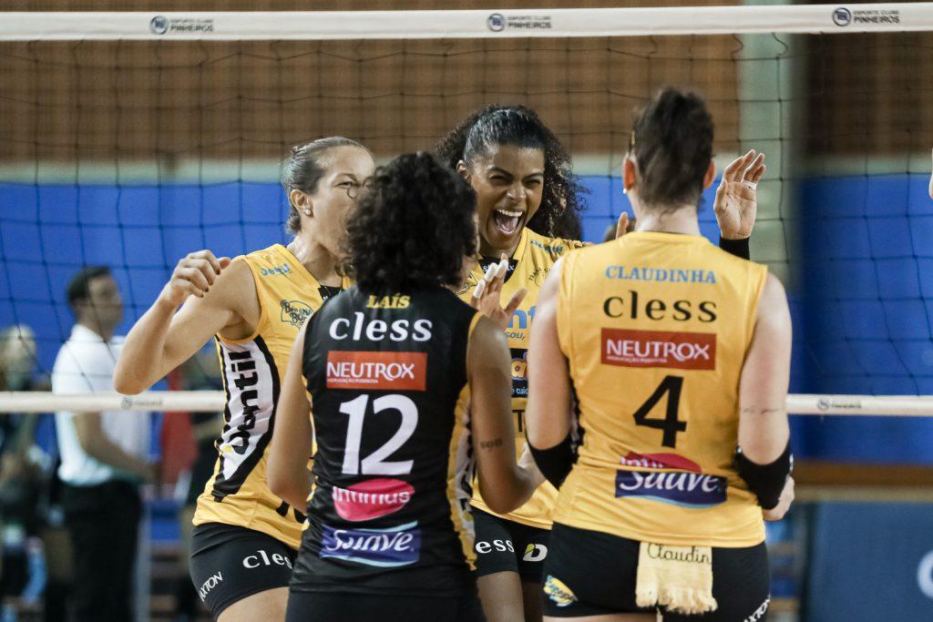 Vitória do Dentil Praia Clube em São Paulo contra o Pinheiros na 3ª rodada da Superliga Feminina 2019 2020